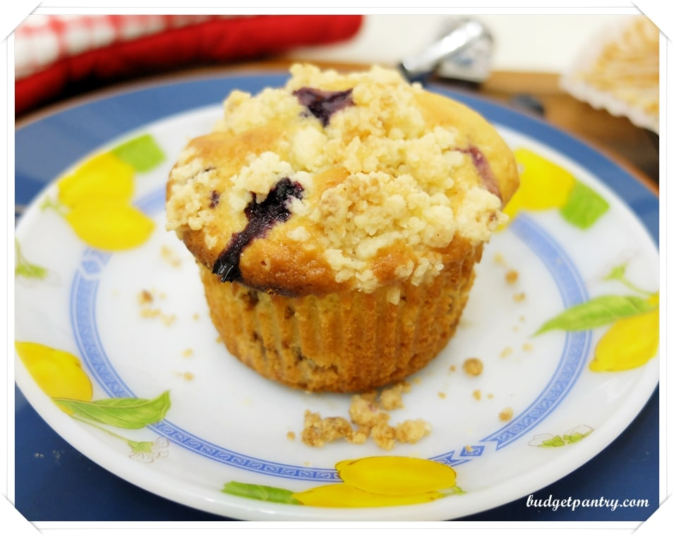 May 28- Blueberry Crumble Muffins2